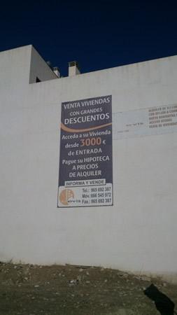 Carte de venta de una promoción de viviendas en Agost