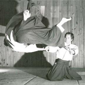 Tamura Sensei proyectando mediante Kokyunage