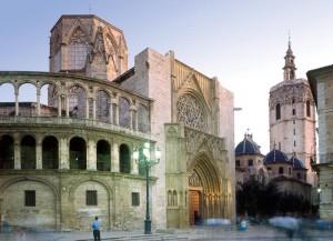 http://www.sol.com/images/VALENCIA/Monumentos/Valencia-Catedral%20de%20Valencia04.jpg