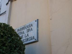 Fotografía de la placa de la Parroquia de Nuestra Señora de la Misericordia, fotografiada el 29/12/2013