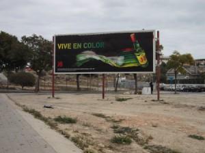 26 anuncio bebida alcoholica via parque