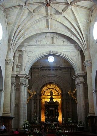 Crucero-presbiterio de Santiago Apóstol