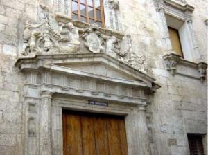 Puerta principal, Palacio municipal de Villena