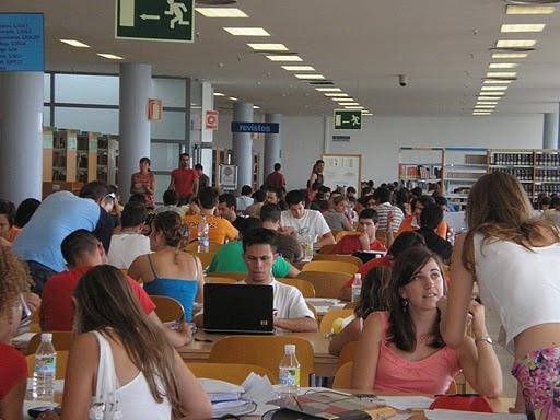Biblioteca Filosofía y Letras. Universidad de Alicante