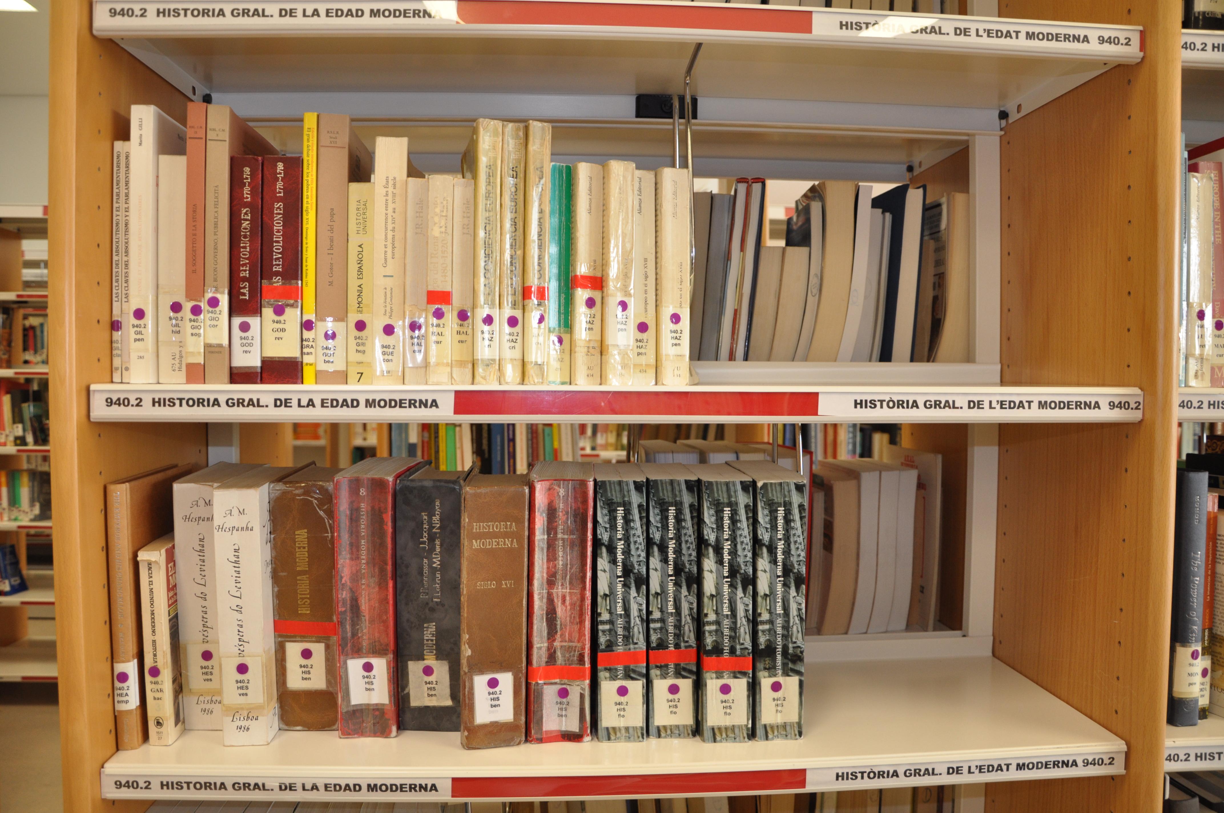 Abril 2011 - Libreria de pared ...