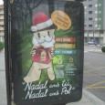 En esta foto encontramos publicidad fija en una parada de autobús, relacionada con el tema navideño con Santa Claus representado como un perro. Este cartel forma parte de una campaña […]