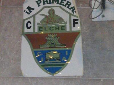 Este cartel lo encontré el pasado 12 de enero en la Glorieta de Elche. apoyando a todos eso hinchas del C.F. Elche.  Como consecuencia de la subida a primera […]