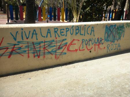 Esta foto se encuentra en los Antiguos juzgados, cerca del Ceu (Universidad Cardenal Herrera), Fecha: 29-11-2013