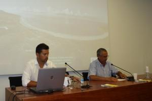 Fernando Prados y Ángel Muñoz durante la conferencia