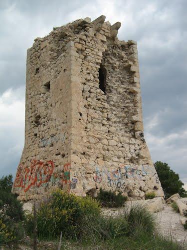 Torre del Aguiló antes de su restauración