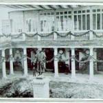 Claustro del Estudio General engalanado con motivo de la celebración del IV centenario