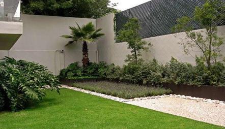 Hogar y tendencias decora tu jardin con piedras for Como decorar parques y jardines