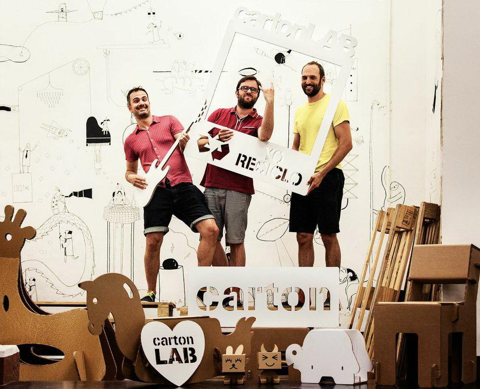 CartonLAB imagen de promoción de los tres arquitectos