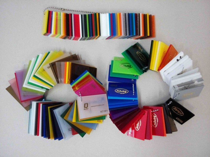 Muestras de color del metacrilato Fab Lab Alicante