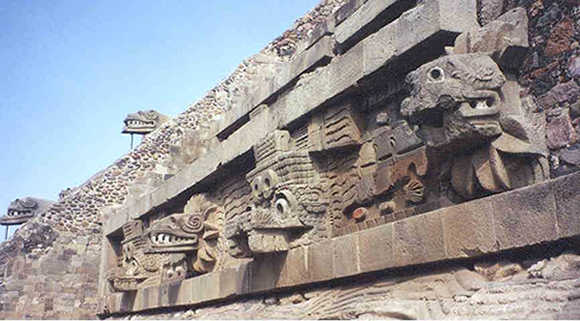 La arquitectura los aztecas for Arquitectura y arte de los mayas