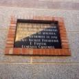En esta foto, tomada el pasado 24 de noviembre de 2013 podemos observar una placa perteneciente al cementerio municipal de Pinoso. En la siguiente placa, donde, cito textualmente, encontramos […]