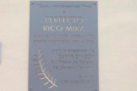 Esta imagen la fotografié el día 24 de Noviembre del pasado 2013, y es una placa de la calle Perfecto Rico Mira, en la que se encuentra la Casa […]