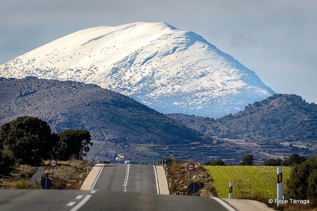 Cara sur desde la carretera a la Puebla de don Fabrique