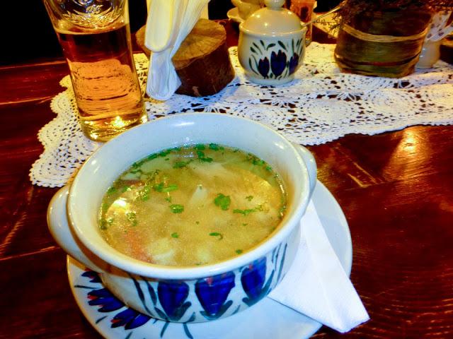 http://www.guisanteverdeproject.com/2014/12/comer-en-cracovia-como-un-polaco-y-no-morir-en-el-intento.html